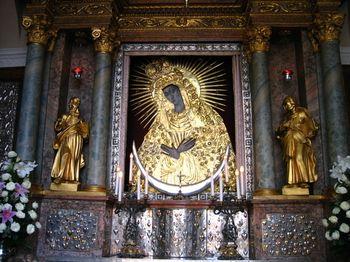 Black-Madonna-Vilnius-Altar